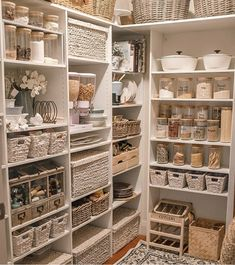 Kitchen Pantry Design, Home Decor Kitchen, Home Kitchens, Diy Home Decor, Buy Kitchen, Kitchen Living, Kitchen Organization Pantry, Home Organisation, Organizing Ideas