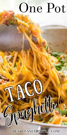 This one pot taco spaghetti is sure to please even your picky eaters! Loaded with all your favorite taco flavors! Easy Casserole Recipes, Casserole Dishes, Crockpot Recipes, Cooking Recipes, Casserole Ideas, Dump Recipes, Easy Recipes, Taco Spaghetti, Spaghetti Recipes