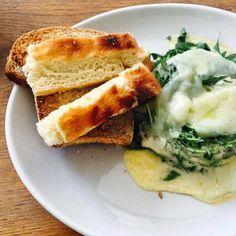 BRUNCH DI OGGI❤️ #brunch #eggs # spinach #frittata #omelette #focacciabread #asiagocheese