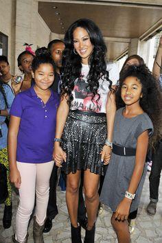 Kimora Lee Simmons & her girls kids style Black Actors, Black Celebrities, Famous Celebrities, Celebs, Beautiful Black Women, Beautiful People, Mom Daughter, Daughters, Sons
