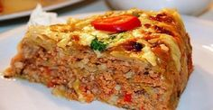 Pie with cabbage and minced meat to taste on . Vegetable Recipes, Meat Recipes, Cooking Recipes, Hungarian Recipes, Russian Recipes, Enjoy Your Meal, Chicken And Cabbage, Good Food, Yummy Food