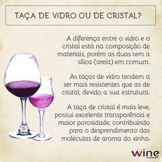 Além do formato da taça, a composição dela é importante para a degustação do vinho.      Taça de cristal ou de vidro, o que não pode é faltar vinho! Wine Bottle Opener, Wine Stoppers, Wine Drinks, Alcoholic Drinks, Guide Vin, Wine Baskets, Expensive Wine, Wine Gifts, Red Wine