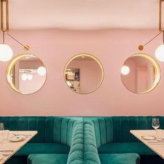 Horeca concept in pink and emerald green