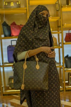 fashion, burka, islamic, louis vuitton Beauty an tings Louis louis v hijab - Hijab New Louis Vuitton Handbags, New Handbags, Vuitton Bag, Louis Vuitton Speedy Bag, Louis Vuitton Monogram, Tote Handbags, Ethnic Fashion, Hijab Fashion, Womens Fashion