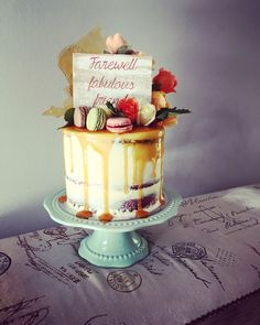Vintage style cake by #oldschooltealady with a cake topper by #thevintagepallet