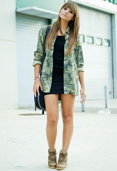 Brilliant - open army shirt with simple black dress top