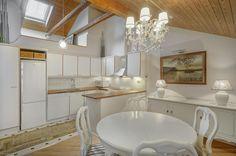 Myytävät asunnot, Fleminginkatu 25, Helsinki #oikotieasunnot #keittiö #kitchen