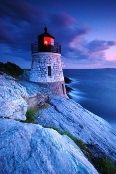 Love lighthouses