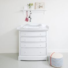 Dresser with nursery top, white - Kids | Oliver Furniture