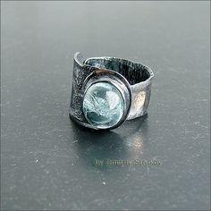 Перстень с аквамарином.