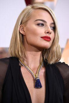 Naomi Watts Asymmetrical Cut - Shoulder Length Hairstyles Lookbook - StyleBistro