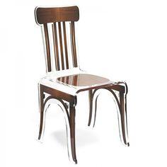Cette chaise bistrot esprit loft est en verre acrylique. Un style original et moderne pour une salle à manger tendance !