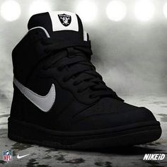 Oakland Raiders Nike Dun NFL-iD shoes casuales cómodos de vestir deportivos hermosos hombre mujer vans New Nike Shoes, Nike Air Shoes, Sneakers Nike, Nike Trainers, Black Sneakers, Me Too Shoes, Men's Shoes, Shoe Boots, Sneakers Fashion