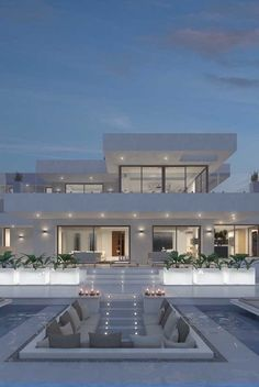 Architecture House Discover 60 inspiring photos to discover White modern mansion: the most classic and traditional color for this type of building Magazine Dream Home Design, Modern House Design, Luxury Modern House, Luxury Living, Modern Interior Design, Modern Living, Modern Architecture House, Architecture Design, Modern Houses