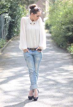 Schlabberbluse Ein neues Outfit ganz frisch vom Blog. Bluse: Vila Hose: Mango Schuhe: Buffalo