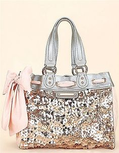 I need this bag omg!!! Soooo much shiny!!!