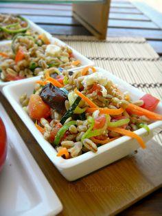 Insalata di farro e verdure croccanti