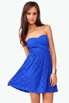 #CCSummerStyle What a lovely blue lace dress! Perfect for this hot weather.