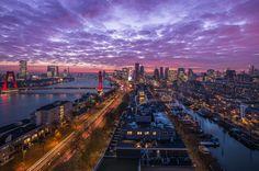 Het panoramisch uitzicht over Rotterdam.