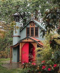 Barn Renovation, Best Tiny House, Tiny House Movement, Corrugated Metal, Cozy Cottage, Log Homes, Tiny Homes, Acre, Woodland