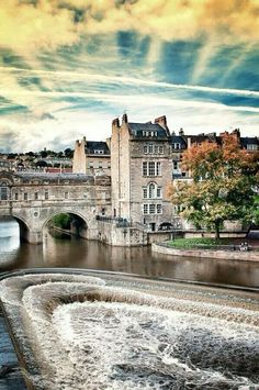 Poultney Bridge, Bath, England - I've seen this bridge, walked it, on 2 separate trips to England. Bath is one of my favorite places on Earth. I hope to make it back someday. Places Around The World, Oh The Places You'll Go, Places To Travel, Around The Worlds, Places To Visit Uk, Wonderful Places, Great Places, Beautiful Places, Beautiful Castles