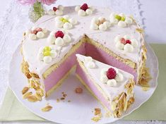 "Himbeer-Quark-Sahne-Torte Rezept Use ""Bing"" to translate recipe German Desserts, No Bake Desserts, Easy Desserts, Dessert Simple, Baking Recipes, Cake Recipes, Dessert Recipes, German Baking, Gourmet Cakes"