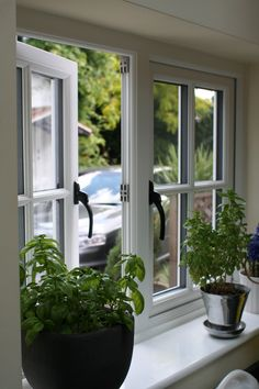 We offer repair & installation services of sash, bay & double glazed window, uPVC, composite, bi folding & french doors in London. Cottage Windows, Cottage Door, House Windows, Facade House, Windows And Doors, Wooden Windows, Casement Windows, Window Grill Design, Door Design