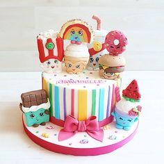 Shopkins Birthday Cake Shopkins Birthday Cake, Shopkins Cake, Birthday Cake Girls, Girly Cakes, Cute Cakes, Candy Cakes, Cupcake Cakes, Pastel Shopkins, Brithday Cake