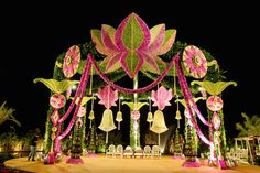 Indian wedding Mandap decor ideas Best Picture For wedding decorations arch For Your Taste You are looking for something, and it is going to tell you exactly Wedding Ceremony Ideas, Indian Wedding Ceremony, Wedding Stage Decorations, Wedding Mandap, Flower Decorations, Wedding Receptions, Wedding Poses, Budget Wedding, Dress Wedding