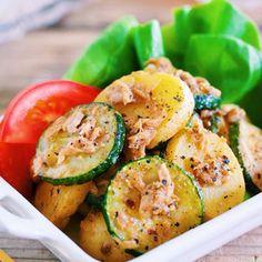 ホントは秘密にしておきたい♡味がしみしみ〜♡『ズッキーニとポテトのベイクドペッパーマリネ』+by+Yuu*さん+|+レシピブログ+-+料理ブログのレシピ満載! ズッキーニ好きさん。じゃがいも好きさん。酸っぱいもの好きさん。必見です♡味しみ抜群! おつまみにも最適なやみつき副菜。あまりにも美味しすぎて一人でペロッと完食してしまいそうでした...笑 レシピブログ...