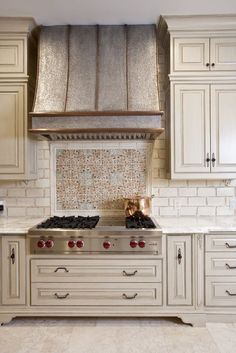 Stylish And Eye-Catching Kitchen Hoods - Kitchen Vent Hood, Kitchen Stove, New Kitchen, Vintage Kitchen, Kitchen Decor, Kitchen Ideas, Country Kitchen Backsplash, Backsplash Cheap, Travertine Backsplash