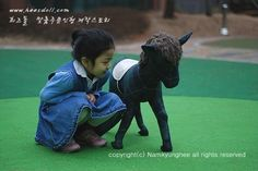 The baby colt doll  with my daughter are look so happy ^^