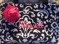 This is MY personal new Bible bag!! Love it!! www.mythirtyone.com/79061 Bible Bag, New Bible, Study, Gift Ideas, My Love, Gifts, Bags, Products, Handbags