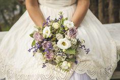 #rosatea #flowers #bouquet #weddingflowers @smilingischic @rosateaflowers Photo by Giuseppe Giovannelli
