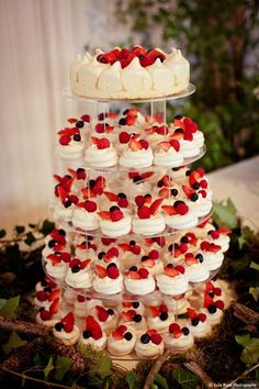 Sometimes we just want to be different, and that's perfectly okay. When it comes to alternative wedding cakes, being different is key! If you're thinking about serving a unique kind of sweet treat that doesn't resemble a multi-tiered wedding cake, then youroptions just expanded. From delicious wedding pies to macaroon towers, there are so many […]