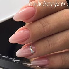 Love this almond shape and perfect length!