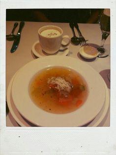 另一杯湯也太像卡布了吧......