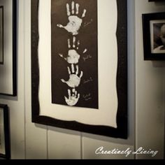 Family Keepsake Wall Decor Handprint Art, So when I baby sit for kids at my center I like to do little art projects, and well my next babysitting adventure is going to be with a family of three boys This is going to be super cute! Fun Crafts, Diy And Crafts, Crafts For Kids, Arts And Crafts, Toddler Crafts, Family Hand Prints, Family Print, Family Wall Art, Family Painting