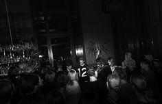 Sonntag, 13.03., 00.43 Uhr – Moabit, AMANO Grand Central: London meets Berlin. Wunderbares kleines Konzert mit Jonathan Jeremiah, untermalt von den melodischen Deep-House-Klängen von DJ Phonique. © Sibylle Roessler