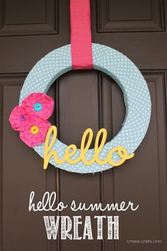 Hello Summer Wreath via createcraftlove.com #summer #wreath #fabric