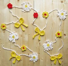 Daisy garland tutorial by Tanya from Little Things Blogged