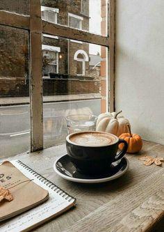"""Sometimes people are beautiful."" ✰ qotd tea or coffee? If tea ↬ which one? If coffee ↬ which one? ✰ aotd absolutely coffee ↬ latte macchiato ✰ ~I wish u all a good day~ Aesthetic Coffee, Autumn Aesthetic, Momento Cafe, Fast Food, Autumn Coffee, Coffee Shops, Cozy Coffee Shop, Coffee Lovers, Coffee Photography"