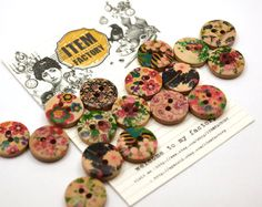 25pcs 20mm Vintage flower multiply Colors wood Round Buttons SEWING FAbric for Craft making, DIY Accessory, Earring blank Etc.