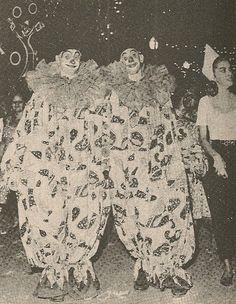 """Os antigos """"clowns"""" ou clóvis, figuras desaparecidas do Carnaval carioca."""
