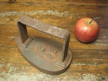 Great Grandma's Early Old Farmhouse Sad Iron; Super Primitive