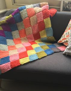 This Blanket for Calais pattern is offered free to download in aid of Side by Side Refugees, a non-political organisation providing direct help to those living in the refugee camps of Calais and Dunkirk. If downloading this pattern, please consider making a donation. Further details about this charity and details on how to donate can be found at the end of the download. Many thanks.