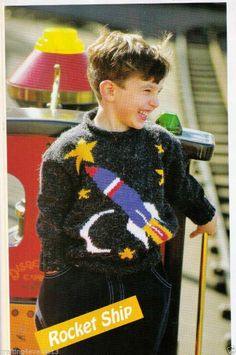 OUTER SPACE ROCKET SHIP JUMPER SWEATER BOYS 62-67 CMS 1-5 8PLY KNITTING PATTERN