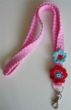 Encuntra lo ultimo en llaveros a crochet paso a paso. Desde hermosos llaveros de corazon tejido hasta figuras de animales y flores. Aprende con nosotros.
