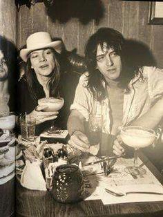 Axl Rose and Izzy Stradllin Axl Rose, Guns N Roses, Nikki Sixx, Hair Metal Bands, Appetite For Destruction, Velvet Revolver, Duff Mckagan, Slash, Welcome To The Jungle