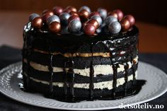 Black Velvet Cake Black Velvet Cakes, New Year Celebration, Recipies, Cooking Recipes, Baking, Desserts, Cookie, Food, Recipes